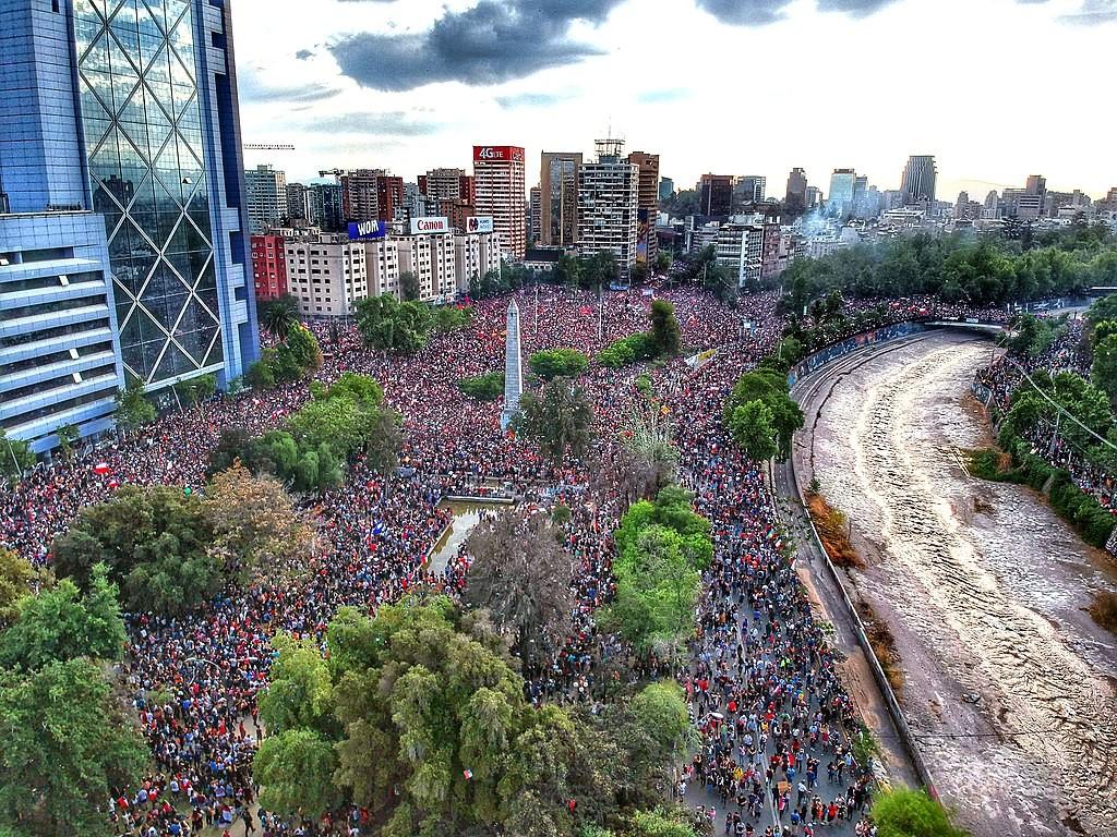 Manifestation sur la Plaza Baquedano à Santiago, Chili, en octobre 2019